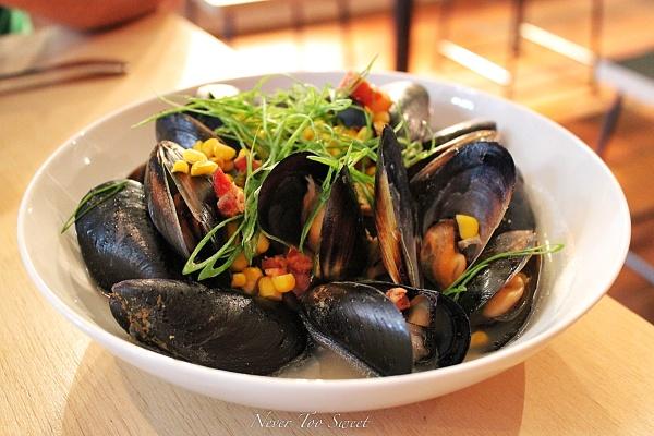 Kinkawooka Mussels, Kaiserfieisch, Corn, Jalapenos, Spring Onions $19AUD