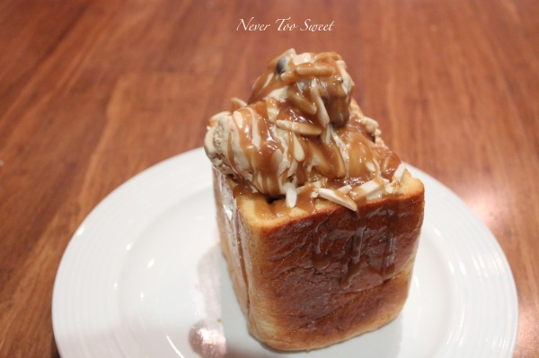 Honey Toast Box with toppings :)