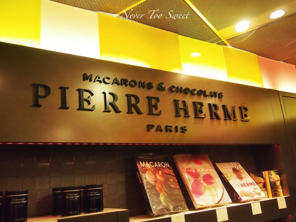 Pierre Herme in Paris