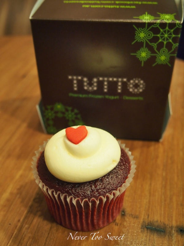 Red Velvet Regular cupcake $4