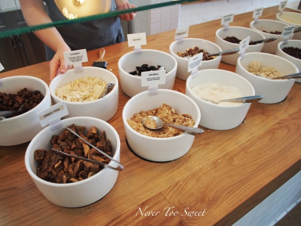Toppings - Nuts, dried fruit and chocolate