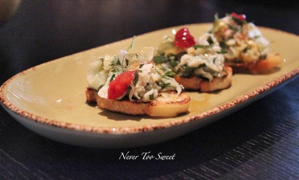 Crab crostini, shaved fennel, tarragon