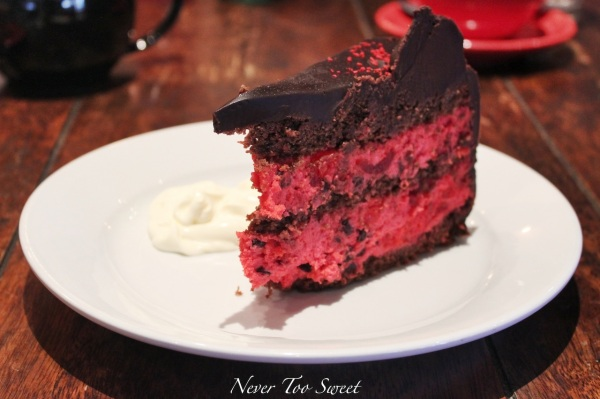 Cherry ripe mud cake