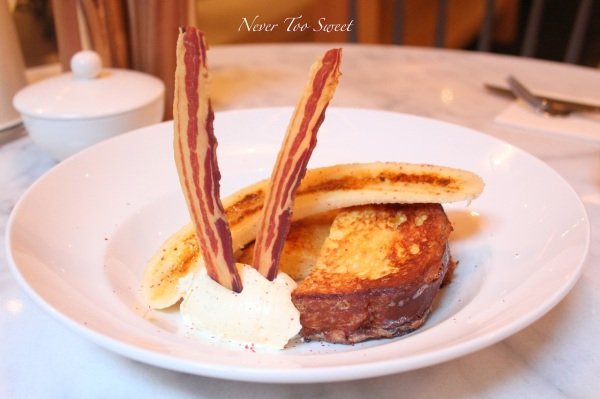 Banana and buttermilk French Toast with crisp pancetta, peppered caramel and whipped mascapone $