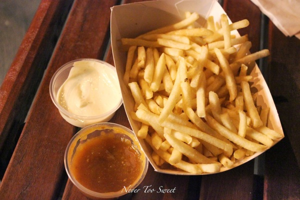 Fries with tangy mayo and spicy tomato relish