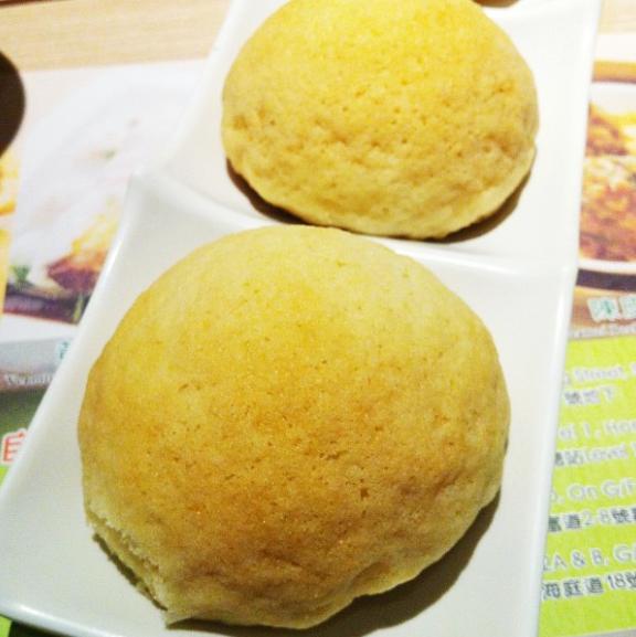 Tim Ho Wan - BBQ Pork Pineapple Bun