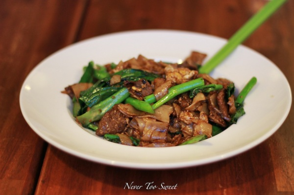 Pad See Ew with beef $14.9