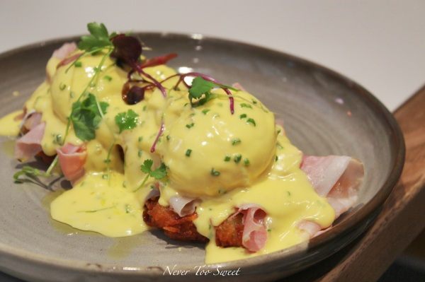 House Benedict with Potato rosti, ham, poached eggs and Chives Hollandaise Sauce $15