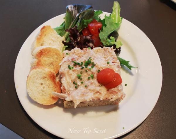 Crab salad and quinoa taboule $16