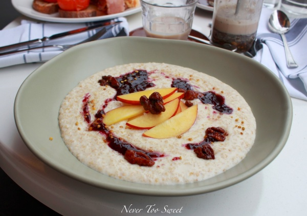 Creamy porridge with fresh nectarine, boysenberry and vanilla compote $12