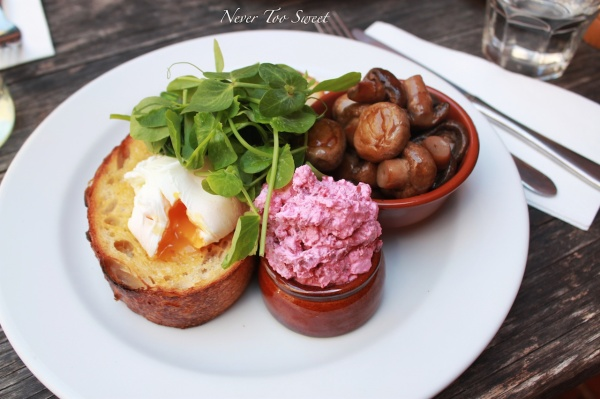 Beetroot eggs $16