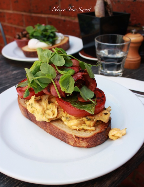 Pesto Scrambled Egg with bacon $19.80