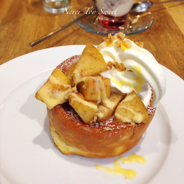Spiced Apple soufflé pancake