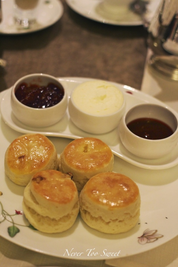 Scones with clotted cream and preserves
