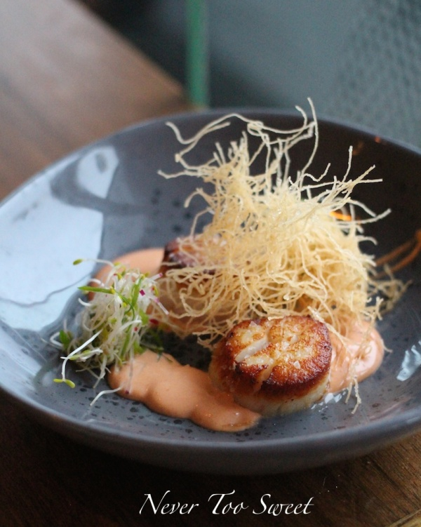 Seared scallop with red reddish, smoked chill mayo and kataifi $4.5 one piece