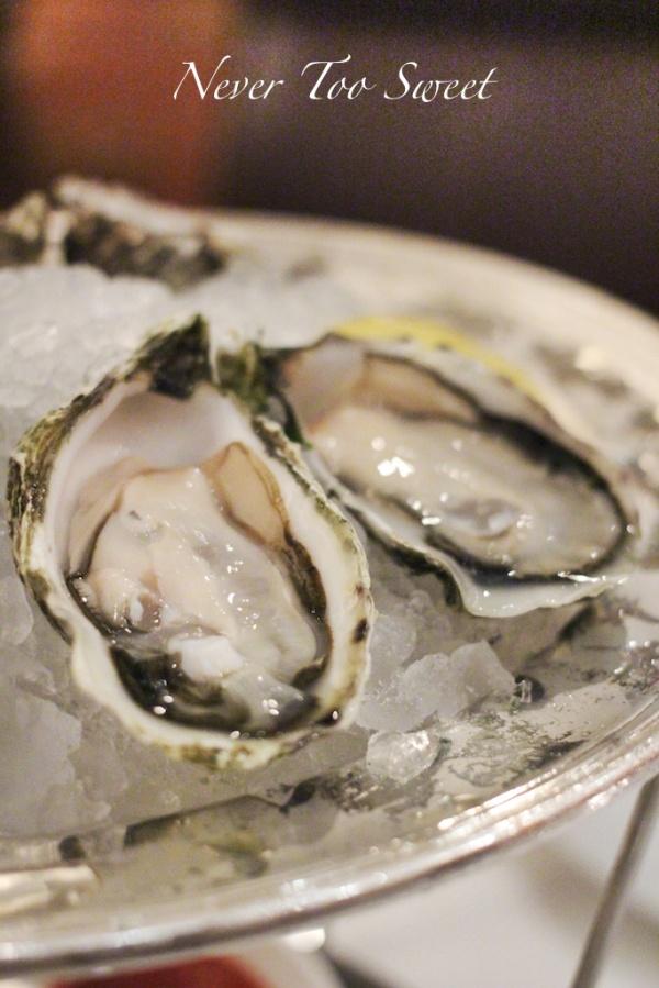 La Perle Blanche oysters