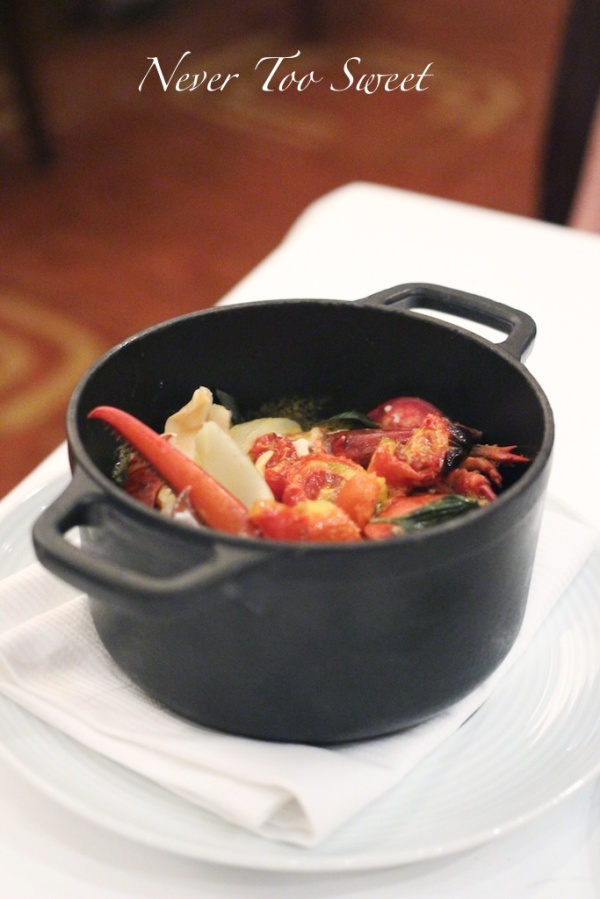 Casserole of Lobster and Cherry Stone Clam $648HKD ($88.75AUD)