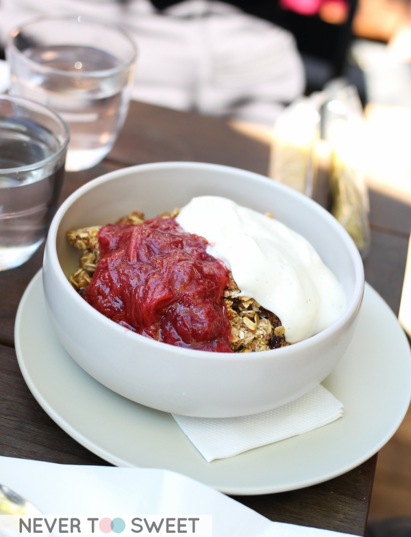 House Toasted Granola with Vanilla Yoghurt $12.5
