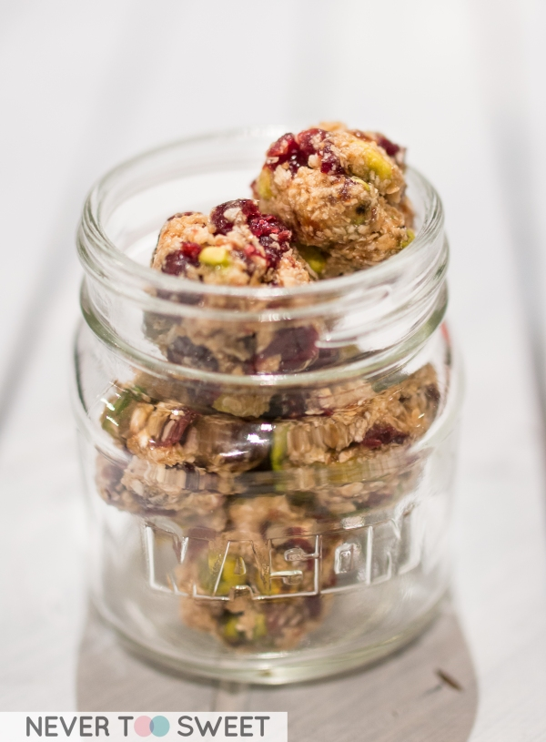 Cranberry and Pistachios Energy Balls